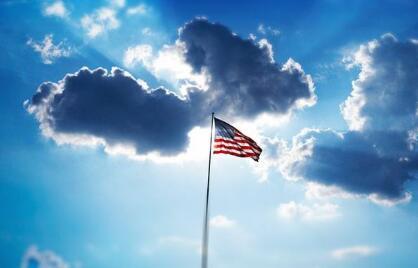 美国生孩子拿绿卡!依亲移民政策让全家成为美国人!