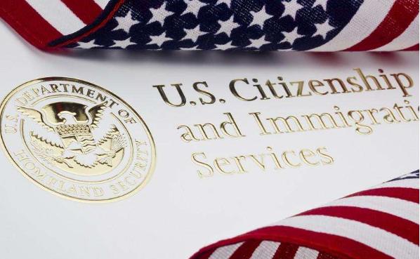 孕妈美国生孩子后,多久才可以拿到美国绿卡?