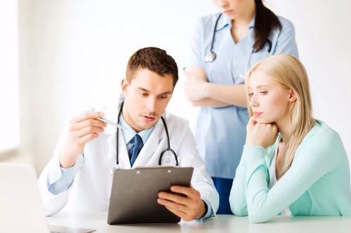 赴美生子孕妈孕后期身体浮肿,需要注意什么