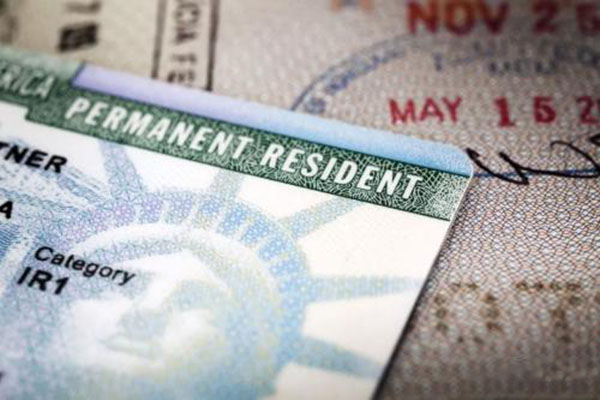 美国移民政策:赴美生子父母有绿卡吗?如何办理?