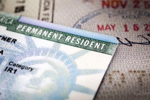 在美国生孩子父母能拿到绿卡吗
